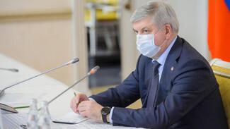 Воронежский губернатор призвал к строгому контролю за масочным режимом в транспорте