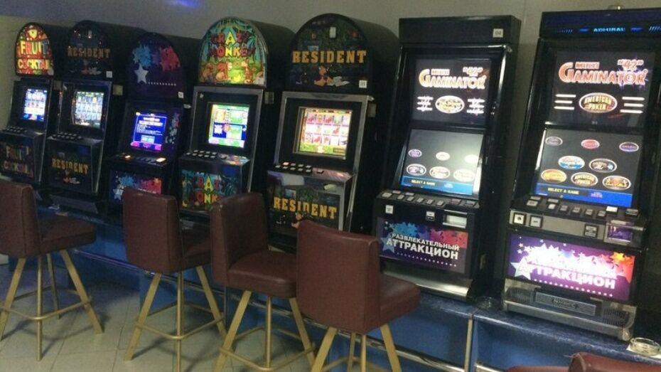 У организаторов подпольных казино в Воронеже изъяли более 200 игровых автоматов