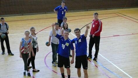 В гостях у подгоренских школьников побывали гандболисты из российской Суперлиги