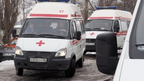 Очевидцы: в Воронеже КамАЗ сбил школьницу