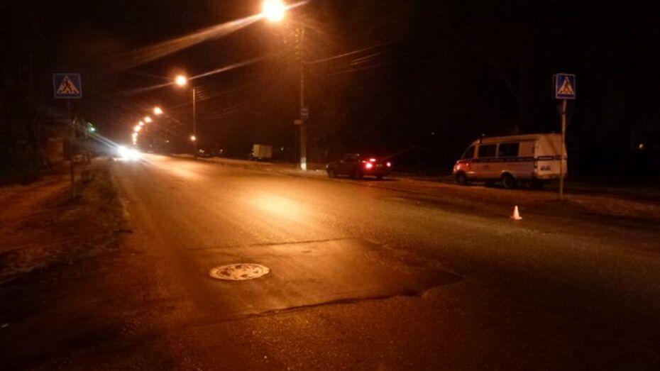 В Воронеже на пешеходном переходе сбили женщину