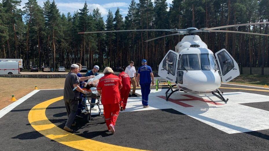 В Воронежской области 7 COVID-пациентов эвакуировали на вертолете