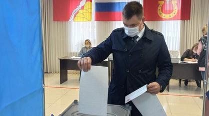 Глава Новоусманского района проголосовал на выборах в Госдуму РФ