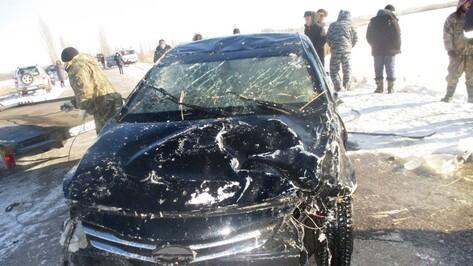 Hyundai упал в водоем в Воронежской области: погибли парень и девушка