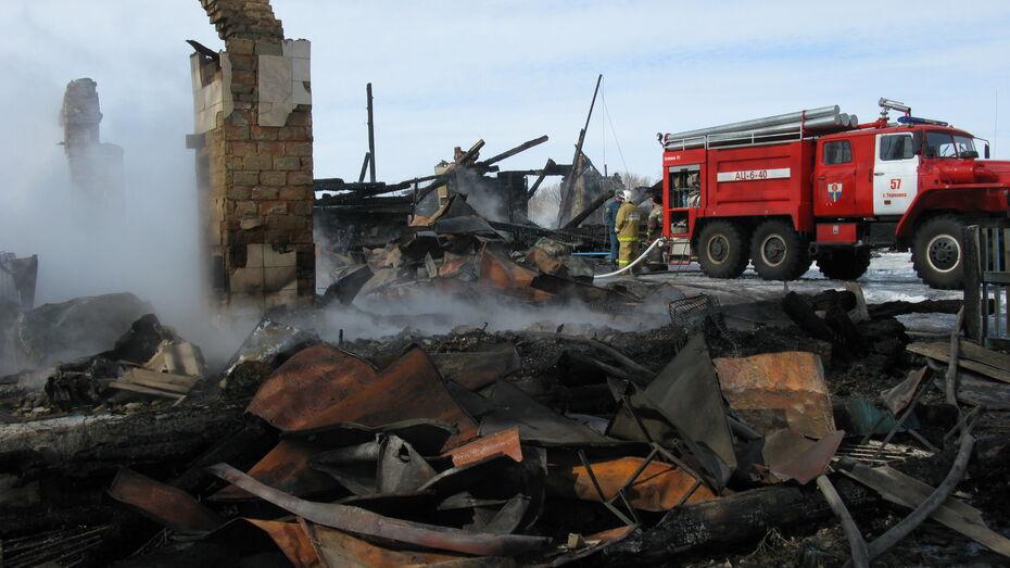 В Терновском районе сгорела сельская администрации