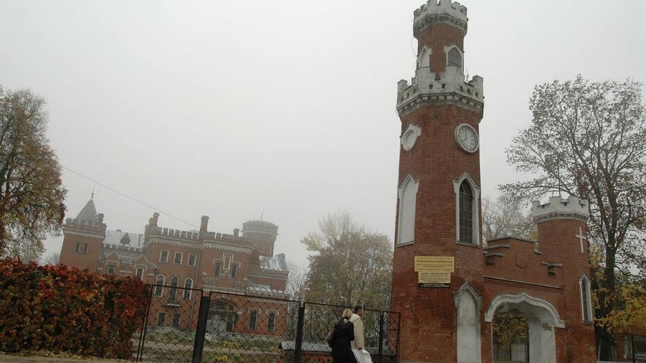 Реставрацию верхних этажей дворца Ольденбургских под Воронежем завершат летом 2021 года