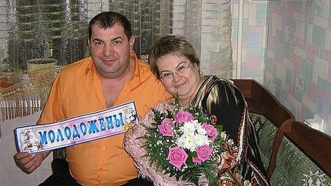 В Лисках медалями за любовь и верность наградят 2 супружеских пары