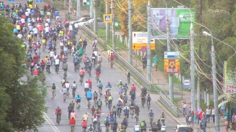 Тысяча велосипедистов прокатилась по Воронежу против наркотиков