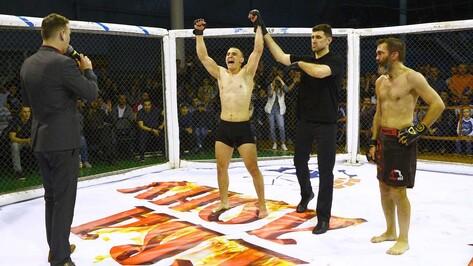 Семилукский боец ММА побил на ринге двукратного чемпиона по грэпплингу