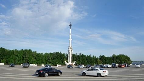 В Воронеже автомобили станцевали вальс