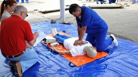 Воронежские врачи скорой помощи на время реанимировали манекена Васю