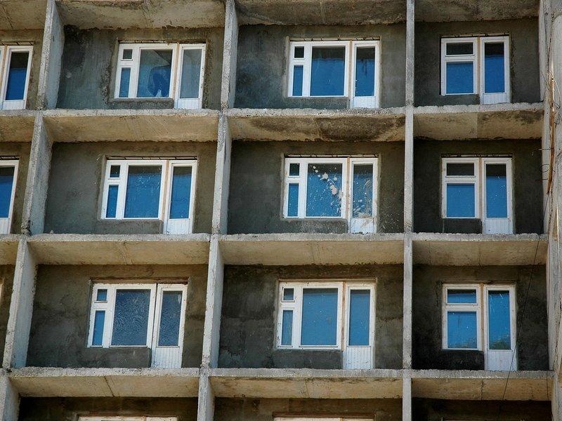 Как влияет количество проживающих человек на квартплату: придётся ли оплачивать чужую задолженность