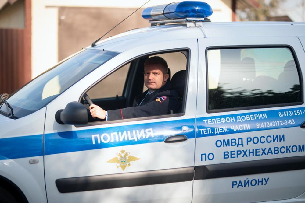 Участковый Евгений Попов