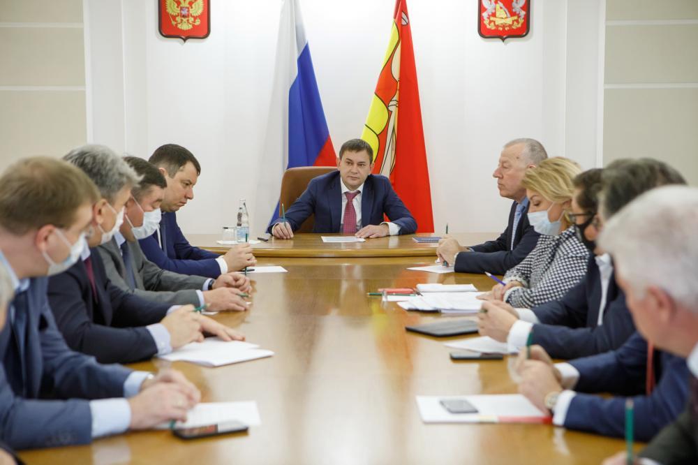 Владимир Нетесов и главы комитетов Воронежской областной думы