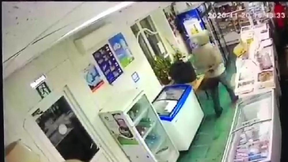 В помещении в момент убийства работала видеокамера.