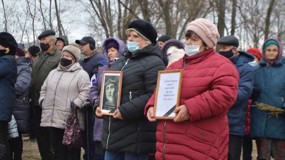 Жители села почтили память погибших фронтовиков