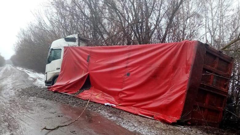 Авария в Новохопёрском районе с фурой и «Газелью»