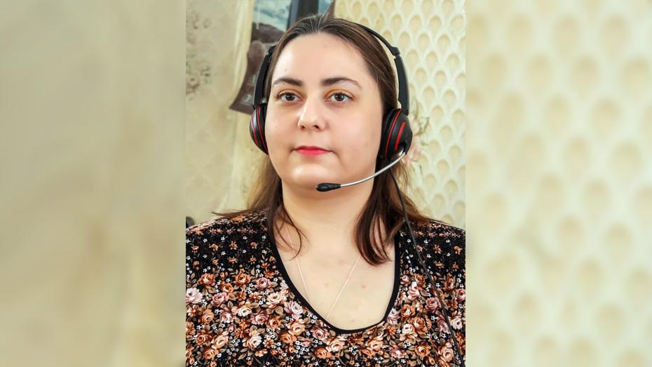 В день Людмила обрабатывает до десяти обращений.