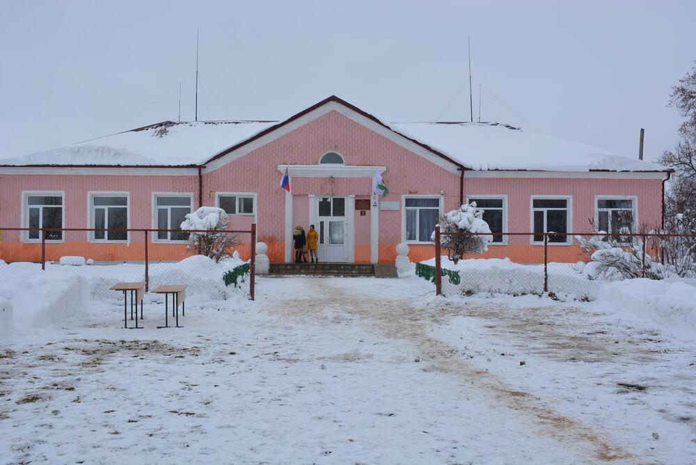 В этой школе учился Денис Налетов