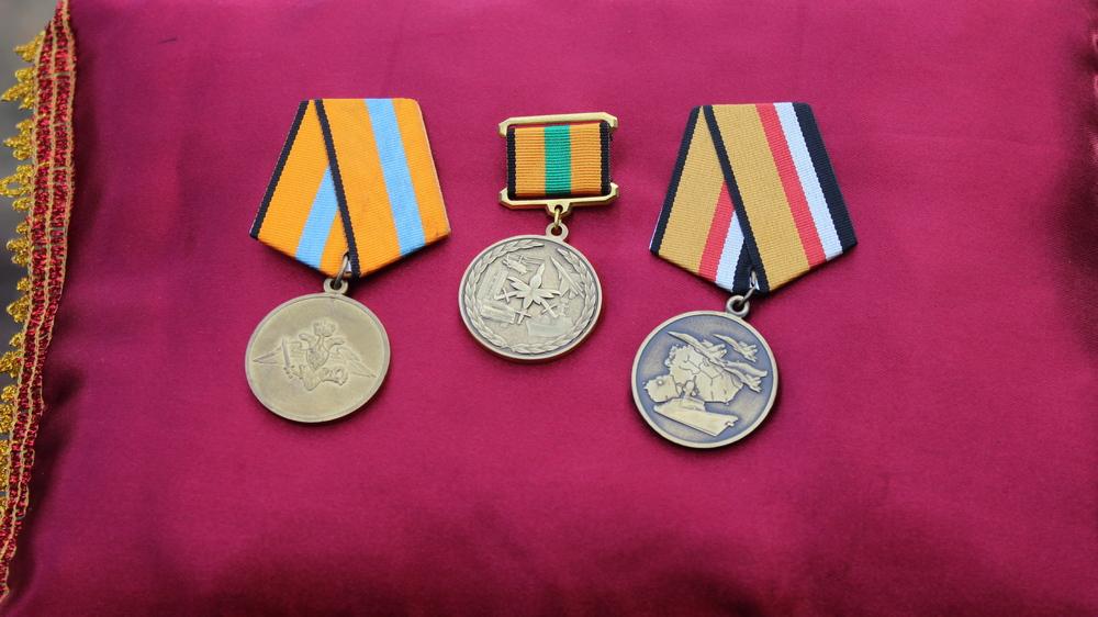 Награды погибшего: две за участие в военной операции в Сирии, одна — за участие в ликвидации последствий наводнения в Амурской области