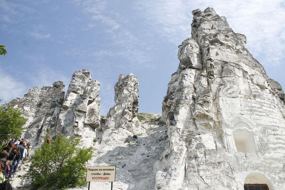 Музей-заповедник «Дивногорье», Евгения Емельянова
