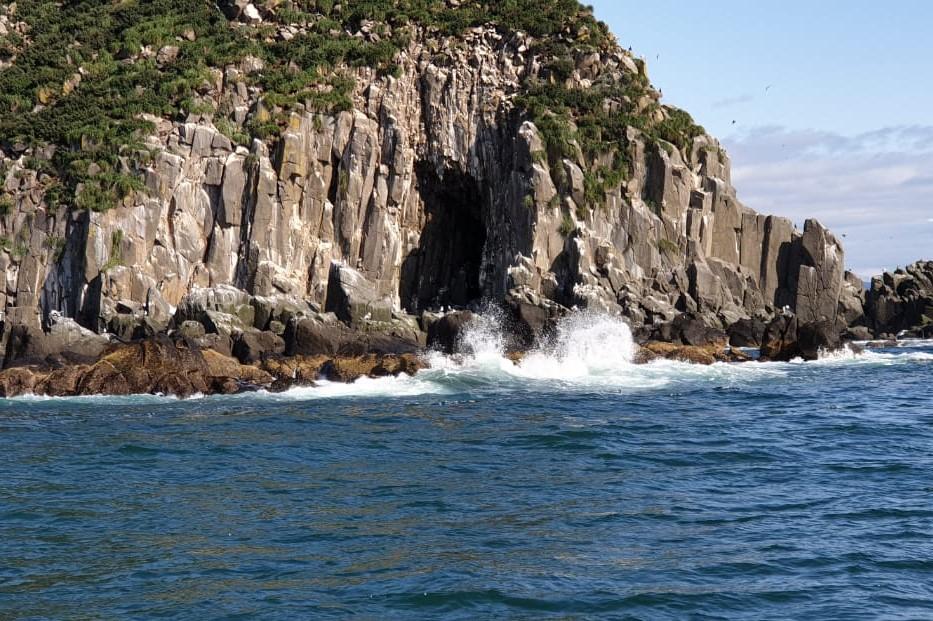 Берега Камчатки скалы