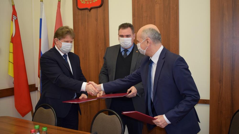 Проект является результатом социального партнерства администрации округа и одного из крупных местных заводов