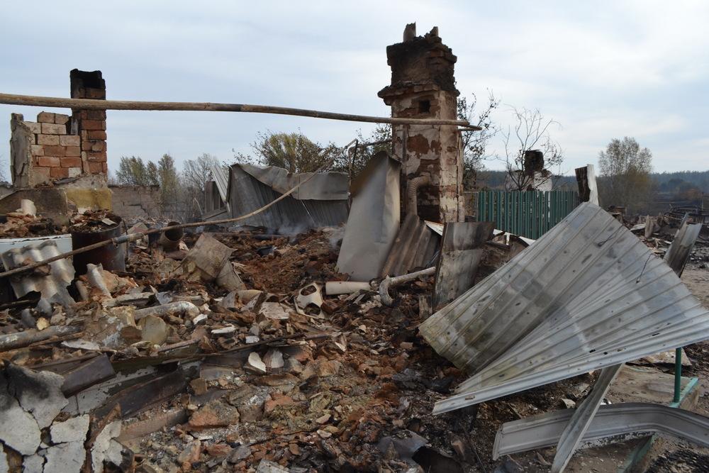 Дом Марии Подкопаевой после пожара. Фото – Ольга Колегаева (из архива)