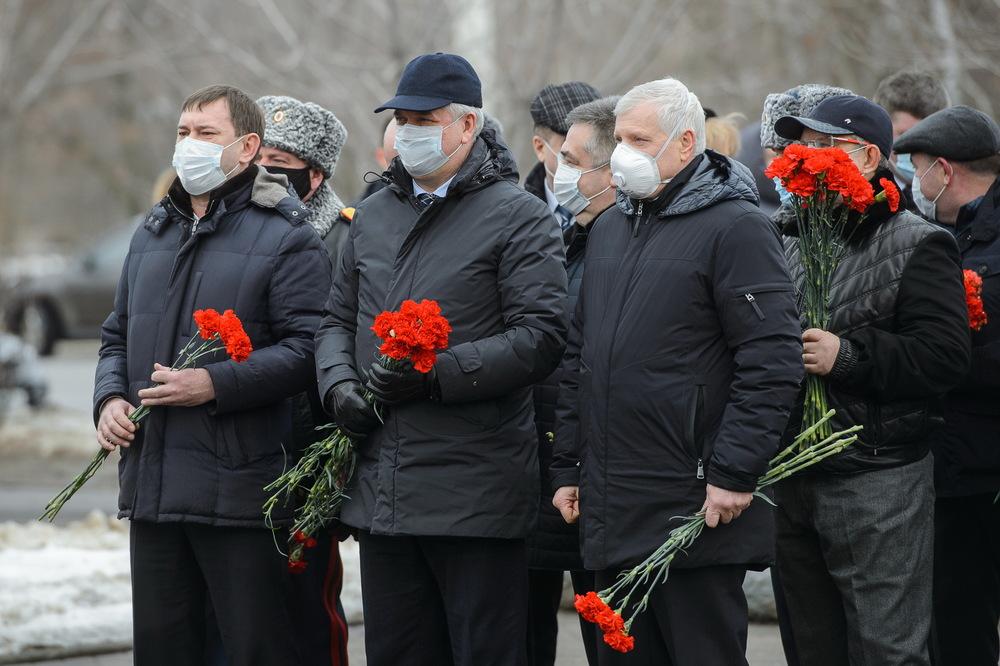 Первые лица региона почтили память воинов, павших за Воронеж