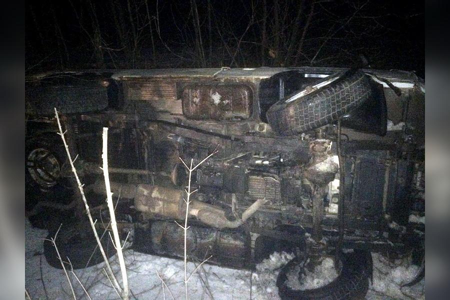 Машина скорой помощи перевернулась в Воронежской области