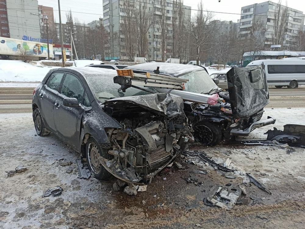 ДТП Нива и Toyota в Воронеже
