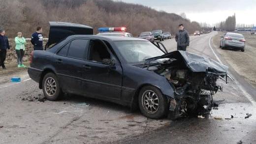 Авария в Воробьевском районе Воронежской области Mercedes
