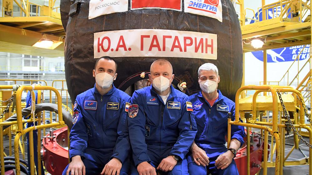 Экипаж транспортного пилотируемого корабля «Ю.А. Гагарин» («Союз МС-18»)