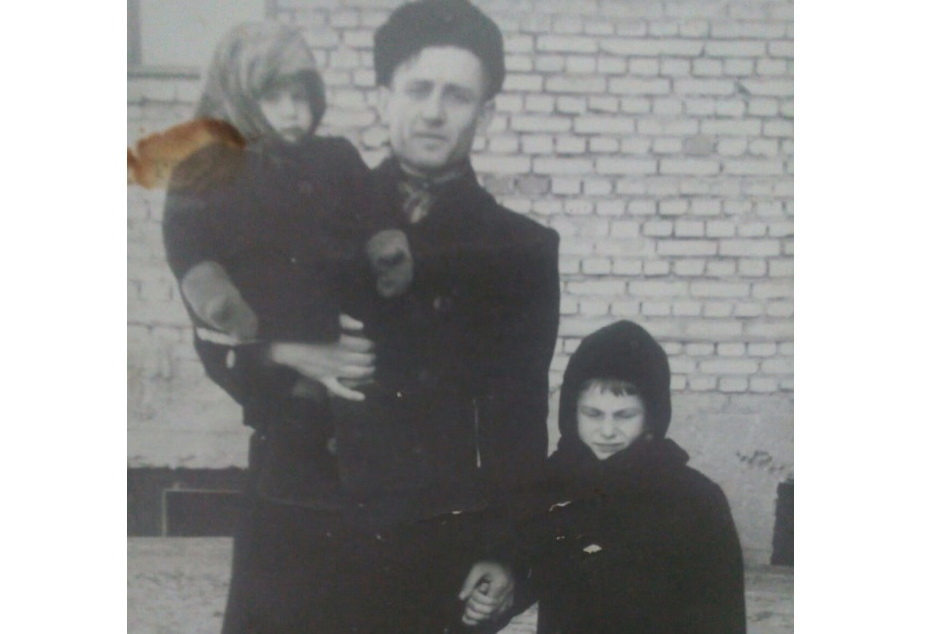 С детьми, 1953 год
