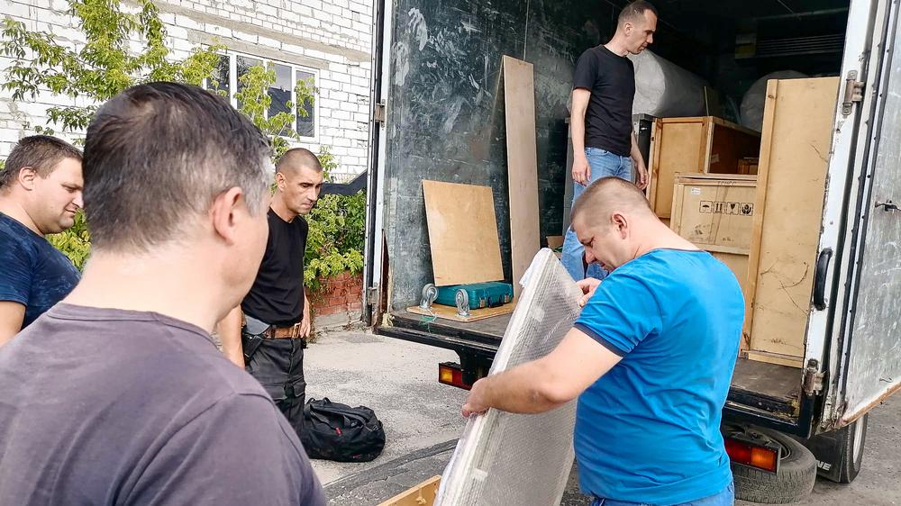 Транспортировку экспонатов и оформление документации взяли на себя организаторы проекта