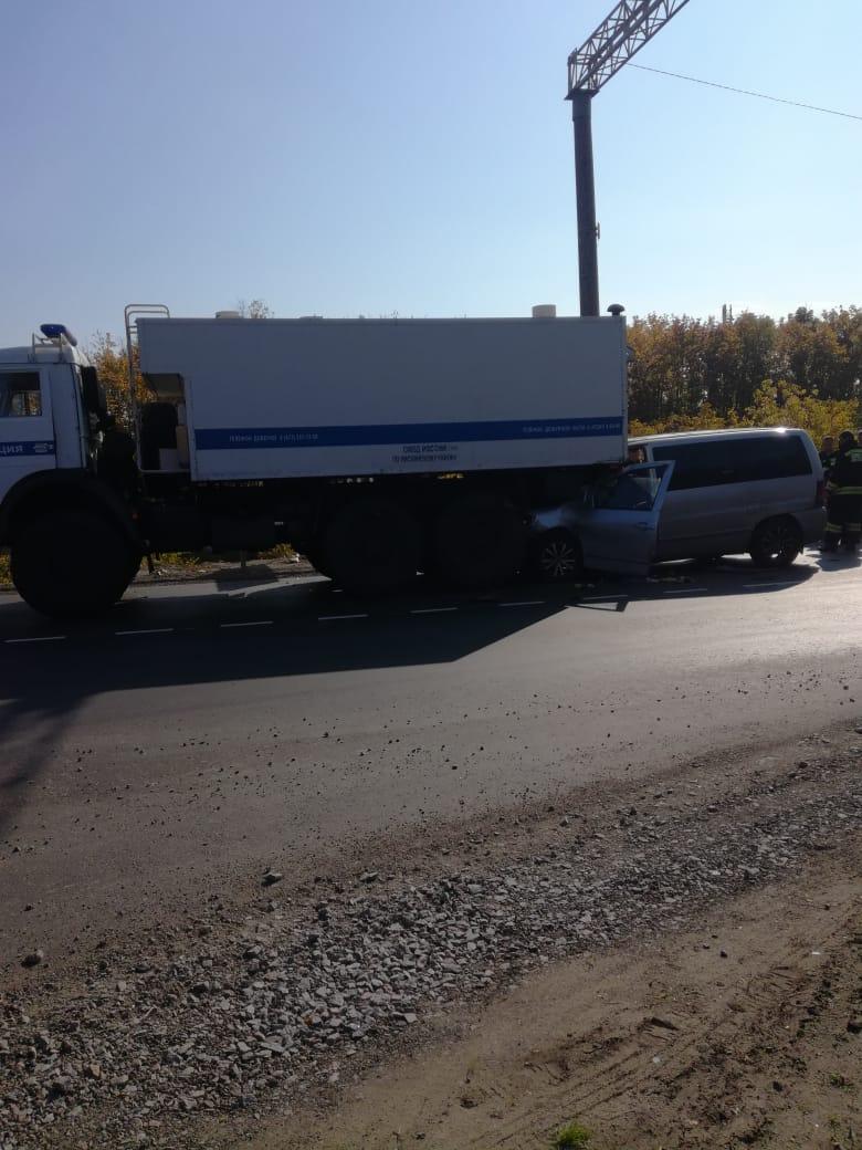 Авария с полицейским автозаком в Воронежской области