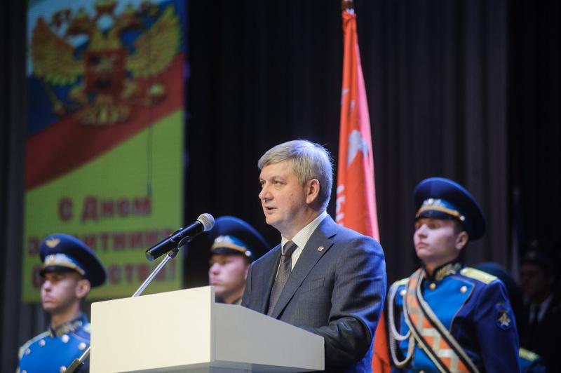 Путин возложит цветы кМогиле Неизвестного бойца