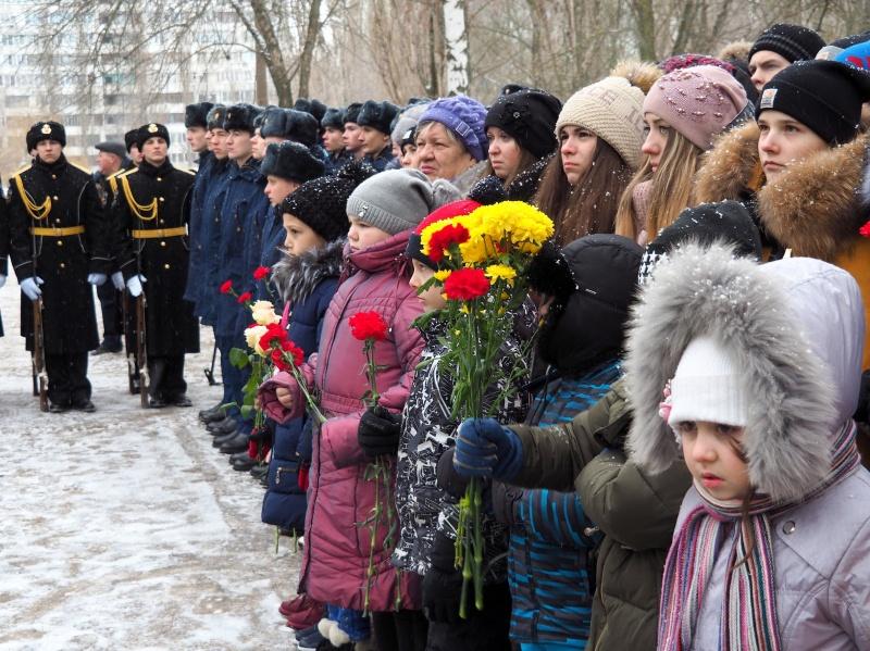 В Воронеже открыли памятную доску погибшему в Сирии летчику