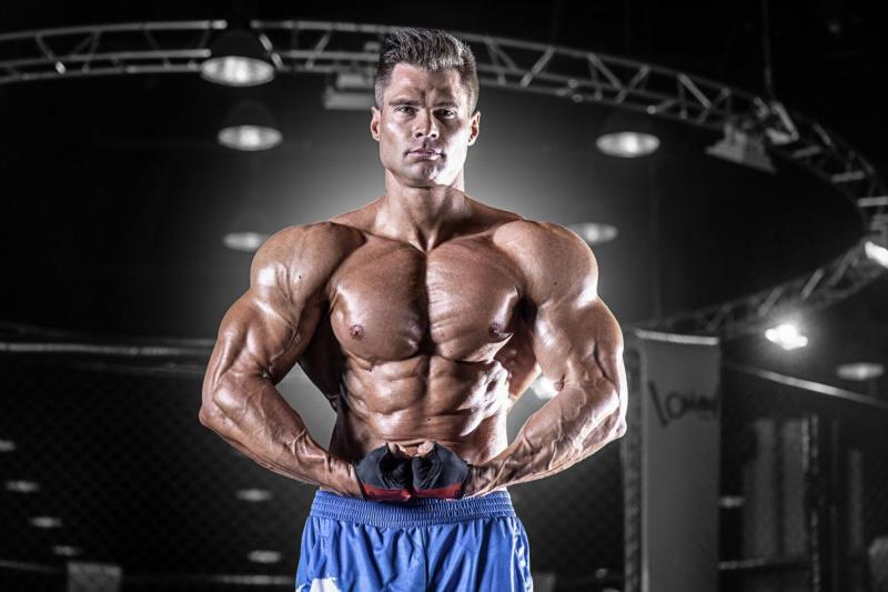 Пообщаться с чемпионом мира по бодибилдингу Денисом Гусевым.jpg