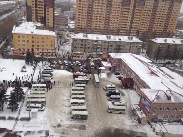 ВВоронеже на основном автовокзале после звонка неизвестного ищут бомбу
