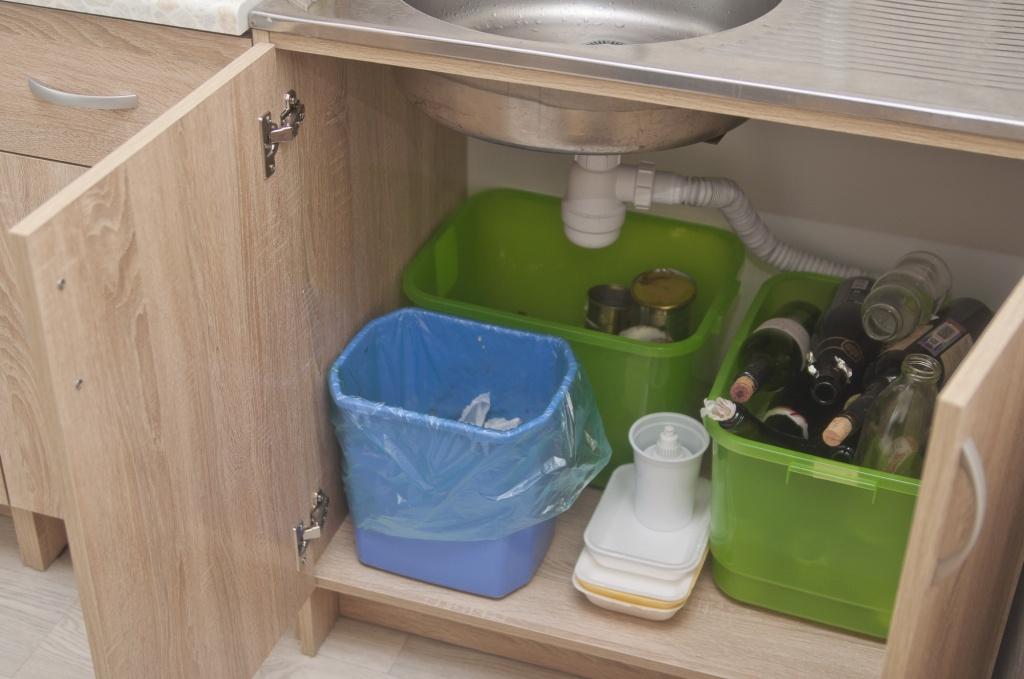 Картинки по запросу раздел мусора в доме