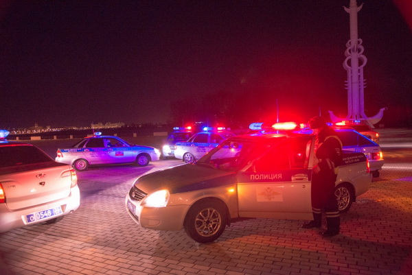 Воронежские полицейские выстроили цифру 8 изавтомобилей ДПС