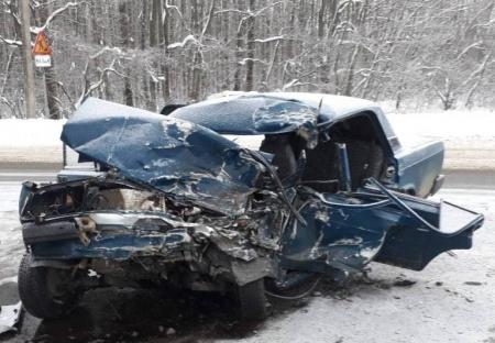 Под Воронежем вДТП умер один человек и7 пострадали