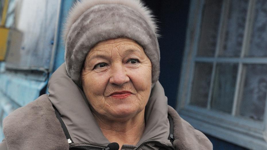 Выигравшая полмиллиарда рублей жительница Воронежской области оплатила похороны односельчанину