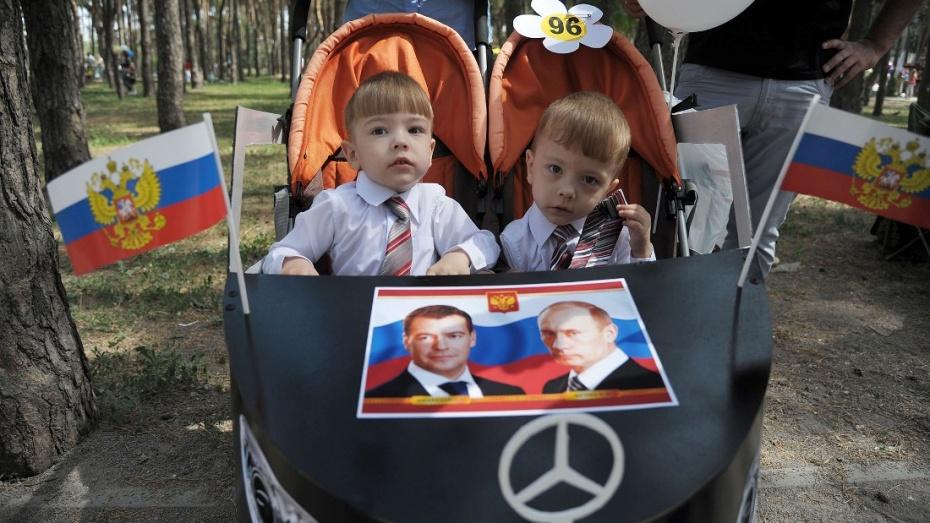 Воронежский парад колясок возглавил президентский кортеж