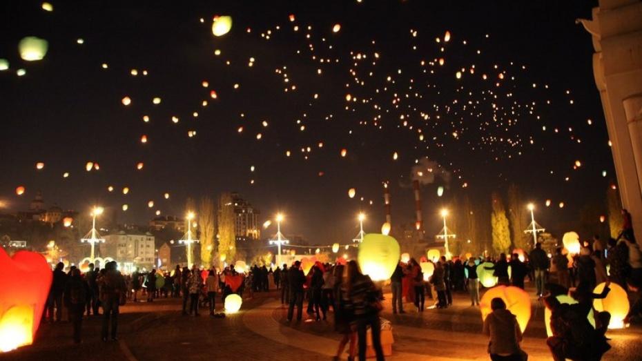 В День влюбленных Адмиралтейскую площадь украсят светящимися гелиевыми шарами