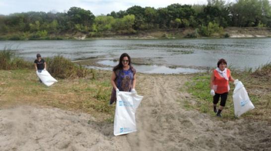 В верхнемамонском селе Гороховка активисты очистили от мусора 10 км береговой линии