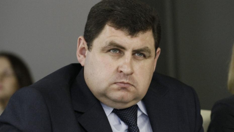 Попавший под следствие глава департамента стройполитики покинет воронежское правительство