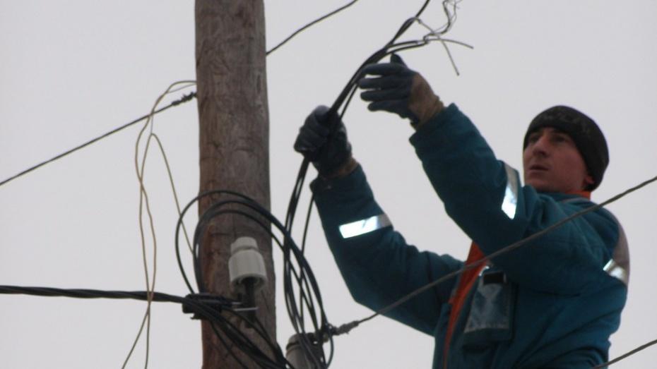 В нижнедевицком селе обновили уличное освещение