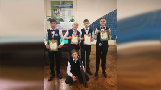 Бутурлиновцы завоевали 2 «золота» на областном турнире по бильярдному спорту